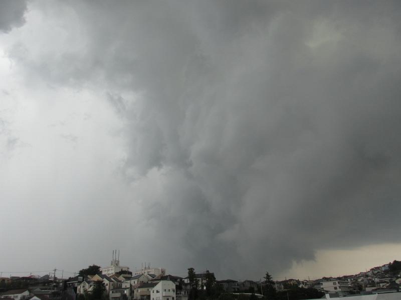 横浜を通過した積乱雲