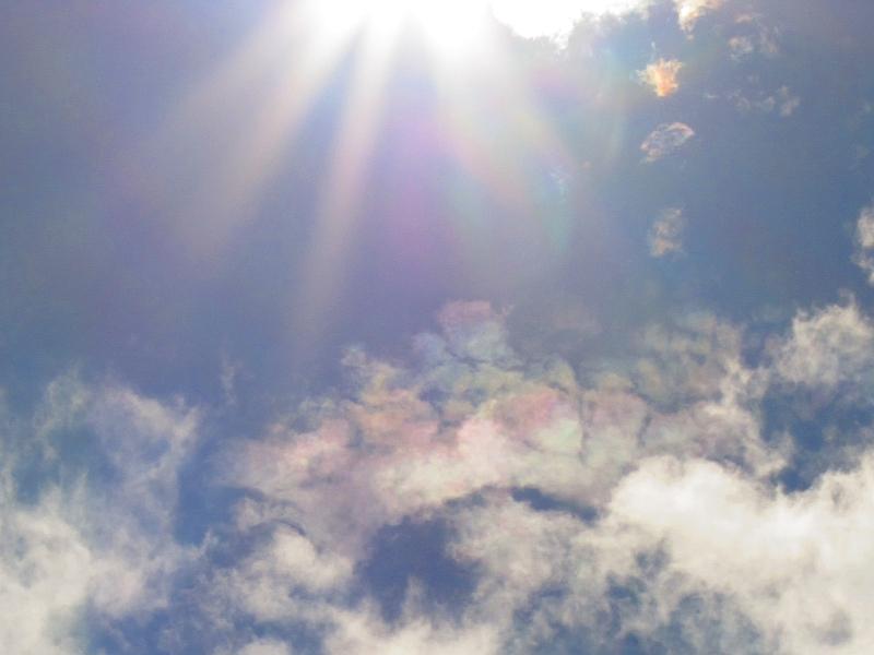 台風一過の彩雲
