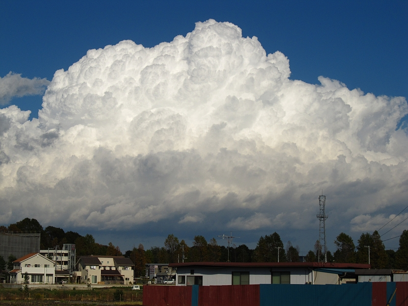 秋の雄大積雲