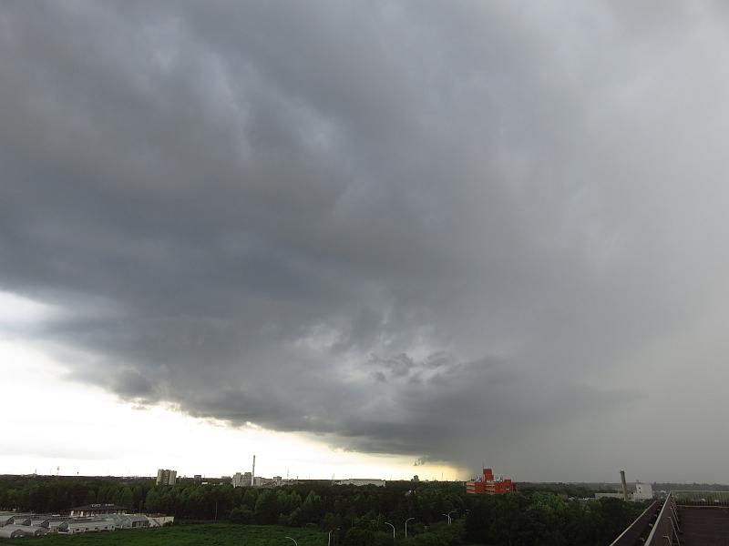 積乱雲が通過