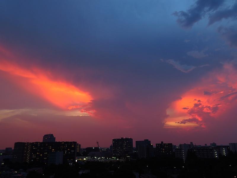 赤い空と積乱雲