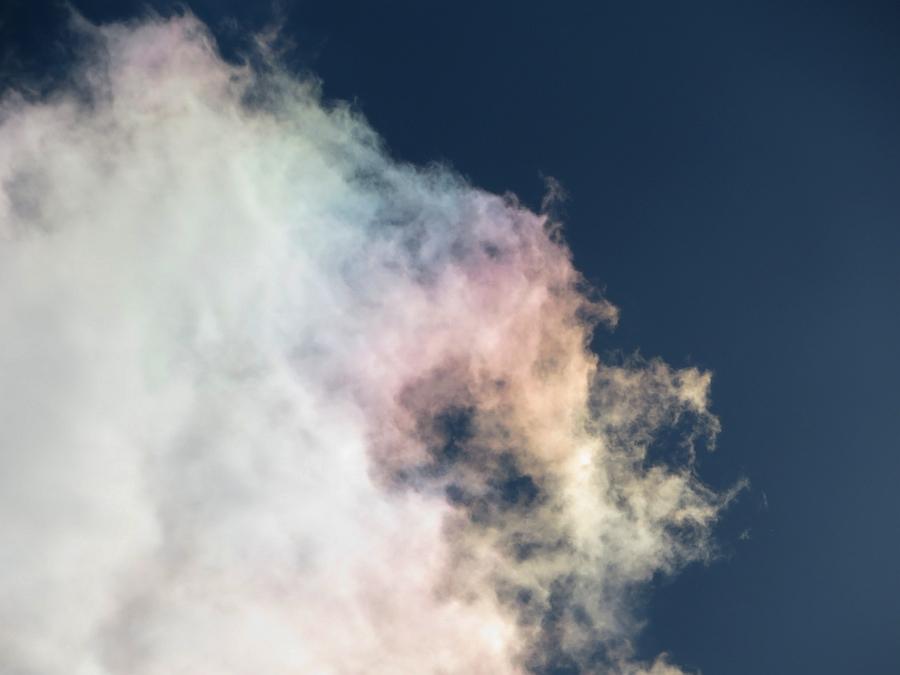色づく積雲~彩雲~