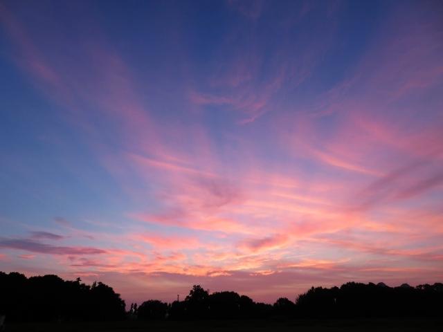 赤い夕焼けと薄明光線