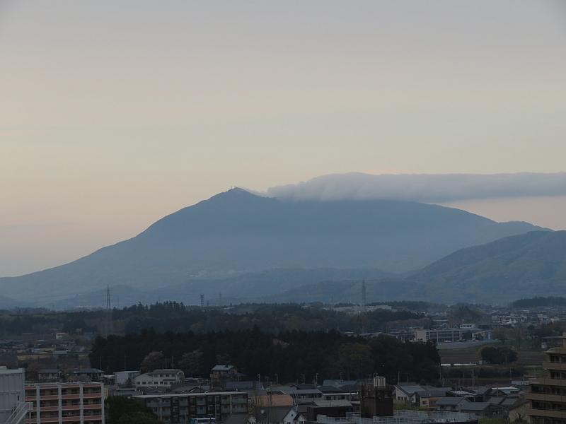 筑波山から伸びる雲 滝雲のようにも見える