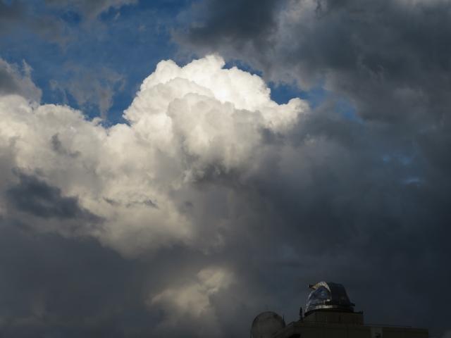衰弱しながらつくばを通過した積乱雲